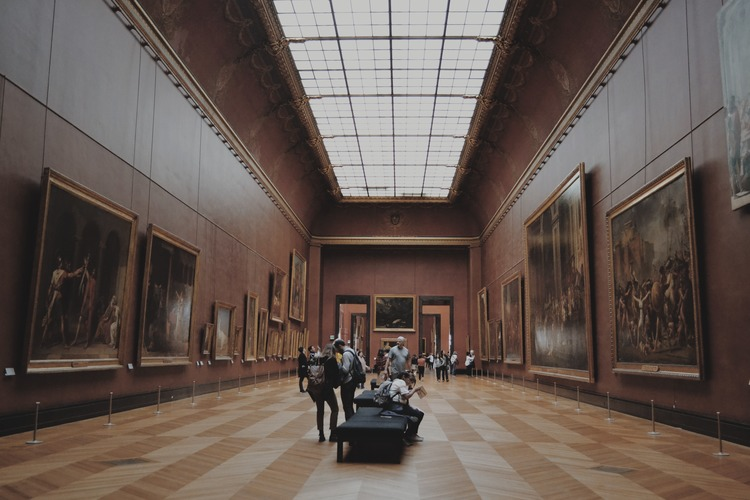 Virtual tours of art exhibitions